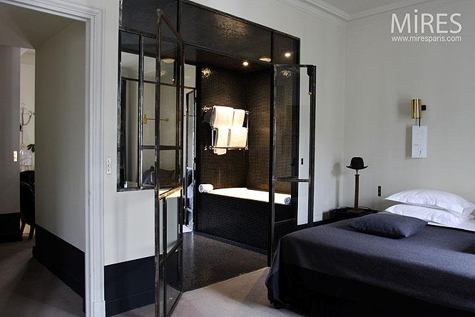 Chambre et salle deau C0024  Mires Paris