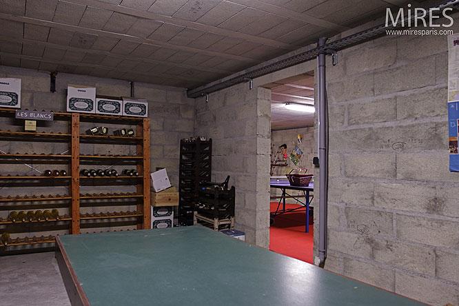 Cave  vins C0134  Mires Paris