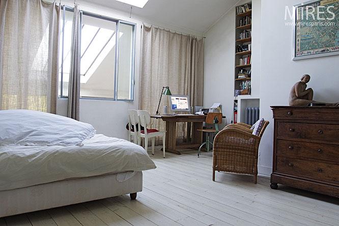 Chambre et parquet blanc C0278  Mires Paris