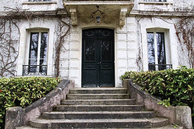 Maison bourgeoise C0302  Mires Paris