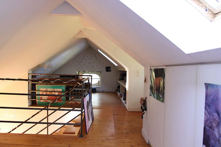 Chambre souscombles C0436  Mires Paris