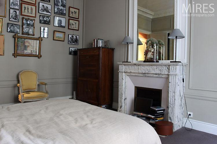 Chambre haussmannienne C0490  Mires Paris