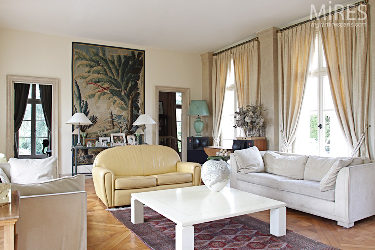 Beige living room with tapestry C0591  Mires Paris
