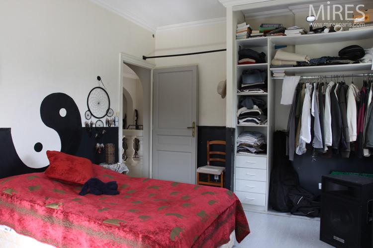 Chambre tudiant Yin et Yang noir blanc  rouge C0568  Mires Paris
