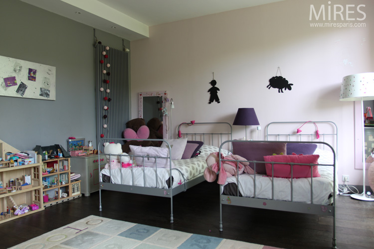 Double lit en fer pour chambre de petite fille C0067  Mires Paris