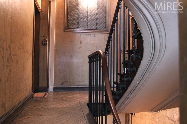 Escalier de service haussmanien C0673  Mires Paris