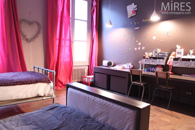 Chambre de petite fille  deux lits C0667  Mires Paris