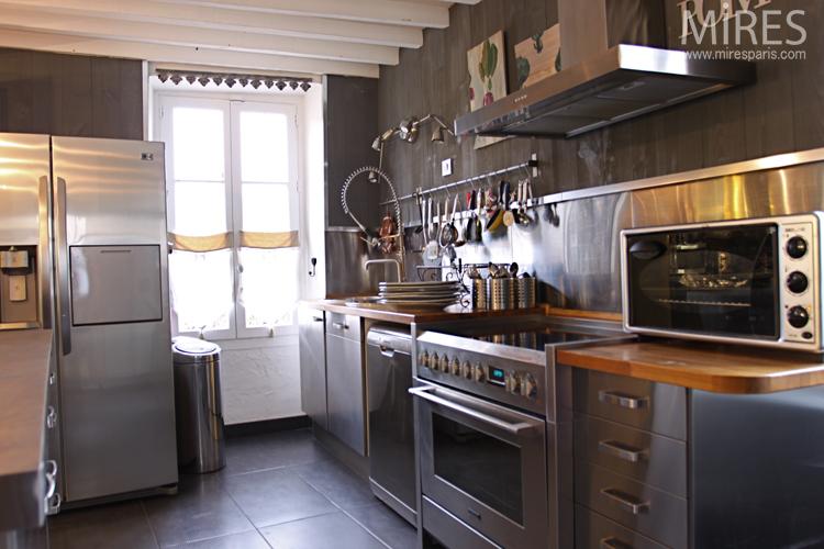 Cuisineloft avec carrelage fonc C0678  Mires Paris