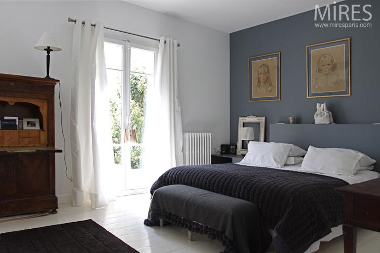 Chambre parentale sobre et claire C0721  Mires Paris