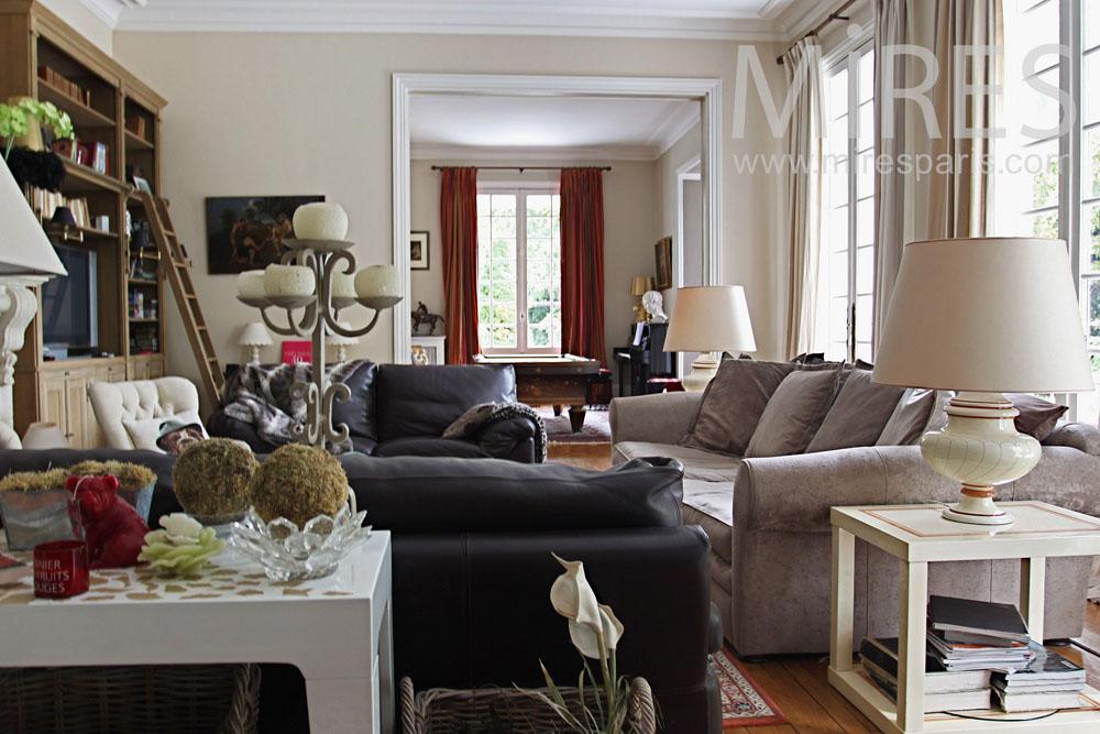 Salon Mlange De Style Avec Une Chemine En Pierre C0764