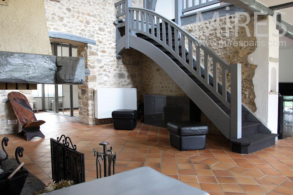 Escalier bois peint et palier C0804  Mires Paris