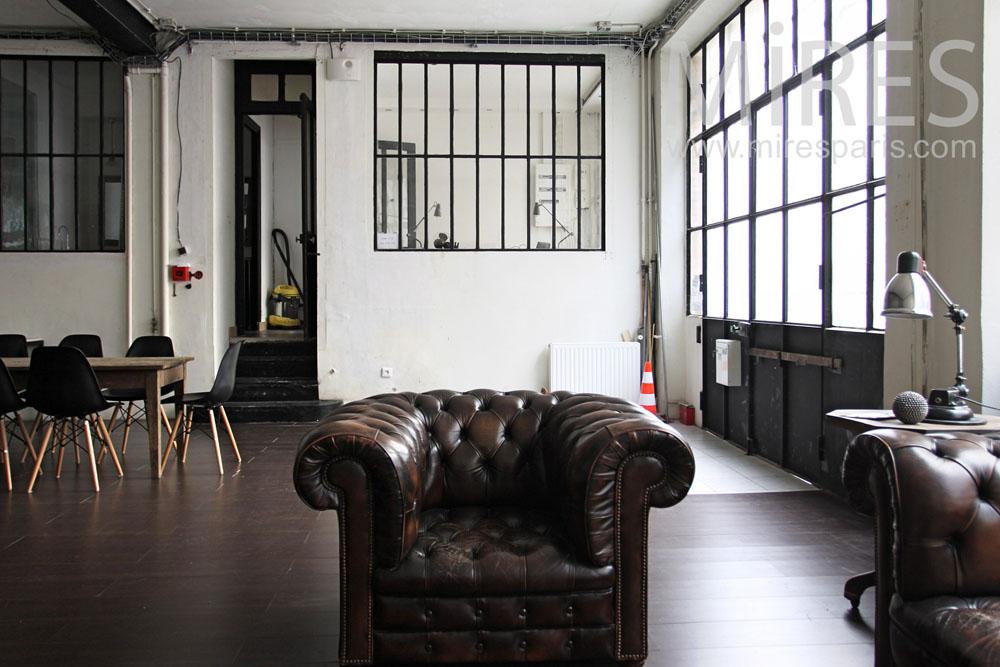 Salon anglais dans la pice  vivre C0836  Mires Paris