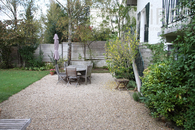 Terrasse de gravier C1095  Mires Paris