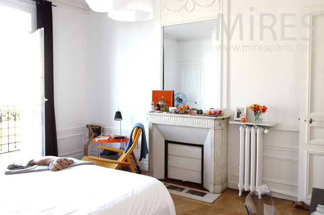 Chambre parisienne dco C1272  Mires Paris