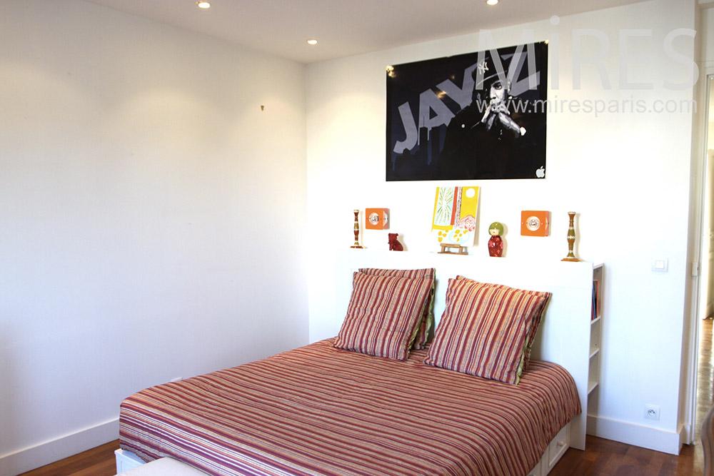 Chambre ordonne avec balcon C1287  Mires Paris
