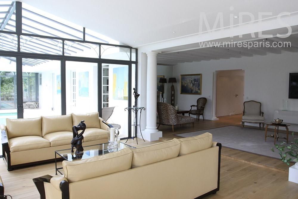 Grand salon vitr avec piano C1355  Mires Paris