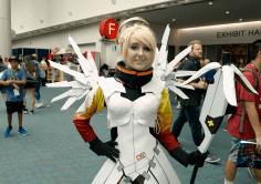 Ангел из Overwatch