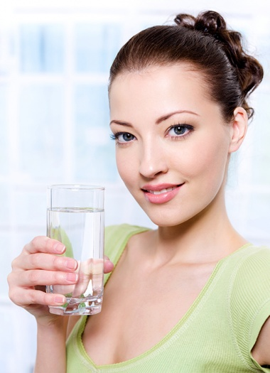 Woman_Drinking_Water-blog-67-l
