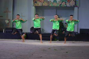 Atraksi budaya OMK Keuskupan Agung Makassar pada malam budaya IYD 2016 di Manado (1)