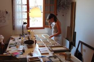 studio, working, proces, ink, paper, art, frames, calligram, window, sun, mirjam Polman