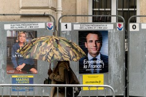 Campaign posters for Macron and Le Pen. https://flic.kr/p/UkVNhV