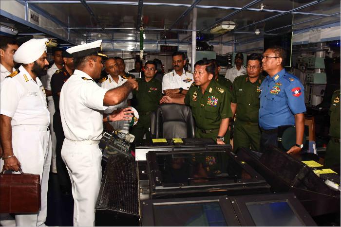 Senior_General_Min_Aung_Hlaing_C-in-C_Myanmar_Armed_Forces_and_fifteen_member_high_level_delegation_visiting_INS_Satpura.jpg