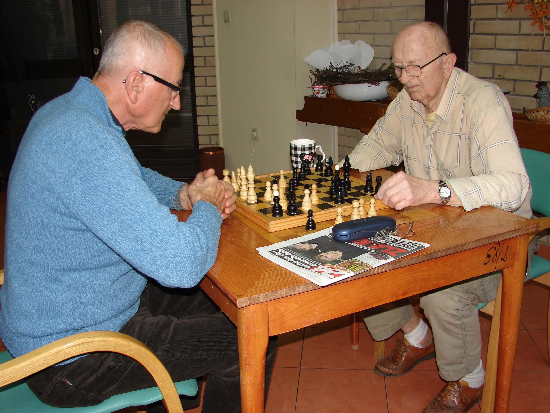 Lov na glasove umirovljenika? Obećali im liftove i kraće čekanje na dom!