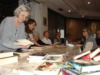 Književni klub u sisačkom Domu djeluje u suradnji s gradskom knjižnicom (foto: J. Grgurić)