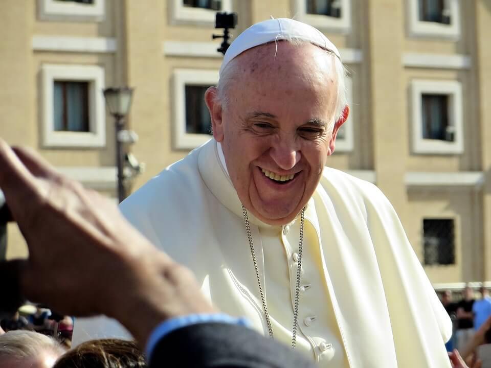 """Papa Franjo cijepio se protiv koronavirusa: """"Protivljenje tom činu je suicidalno poricanje"""""""