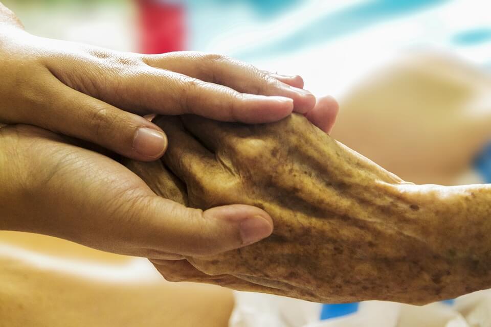 Suradnja Matice umirovljenika i Crvenog križa u borbi protiv siromaštva i volontiranju starijih