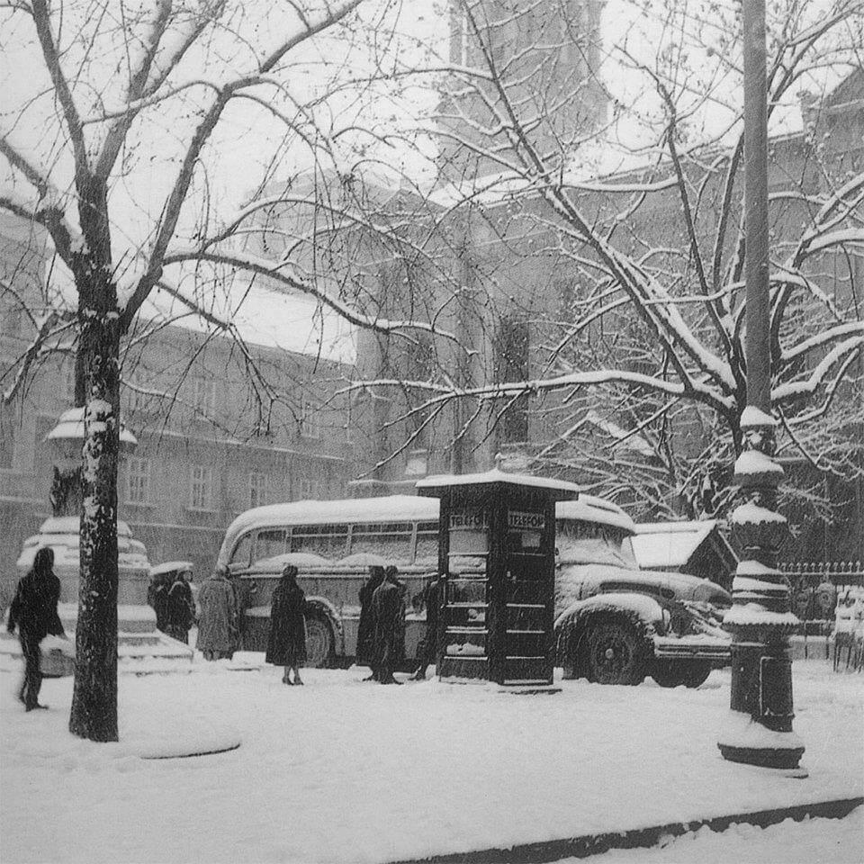 Zimska idila Cvjetnog trga iz 1960. godine prizor je kao iz bajke