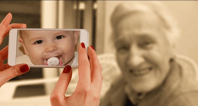 Istraživanje otkrilo koji osjećaj starije ljude tjera da se osjećaju mlađima