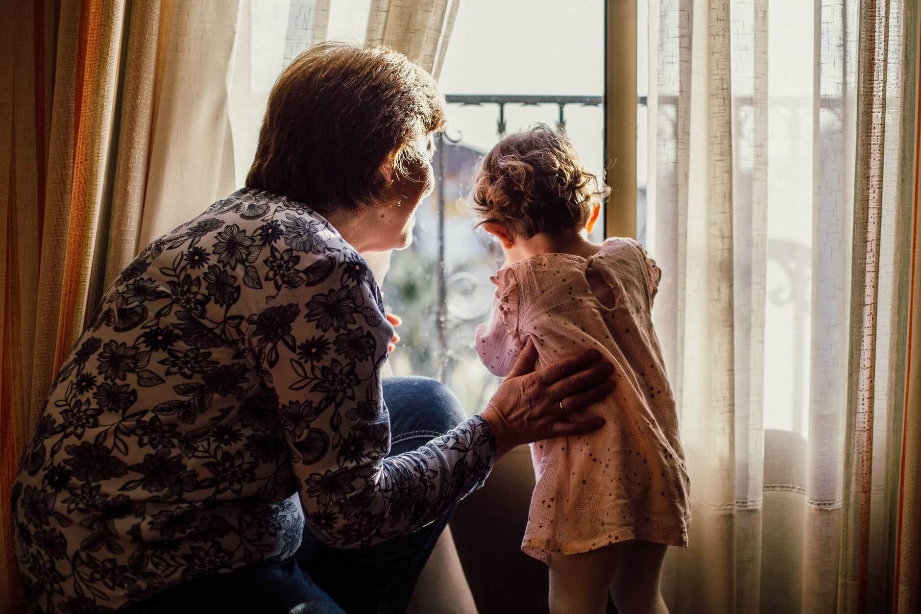 Djedovi i bake koji čuvaju unuke žive dulje i zdravije