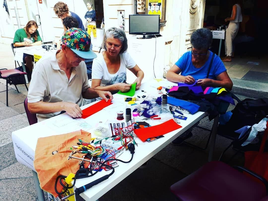 Nosiva tehnologija: Radionica tekstila okupila starije od 55