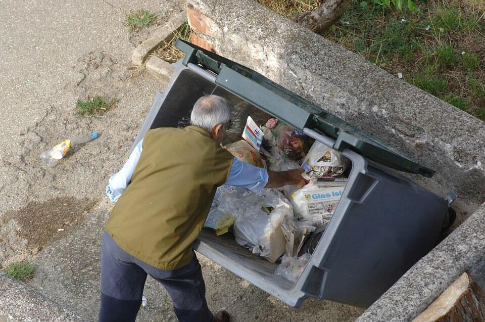 Umirovljenici traže 20 posto jeftiniji odvoz smeća. Pogodite razlog!