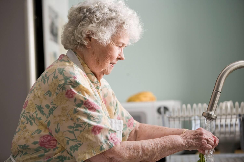 Zavod dao nove preporuke za starije i kronične bolesnike: Izbjegavajte gužve!