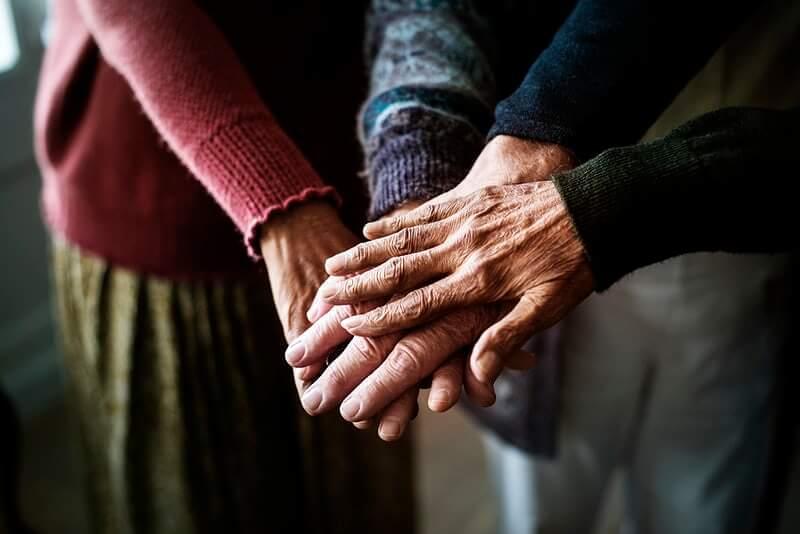 [KOMENTAR] Predizborne koalicije kao politička trgovina na račun umirovljenika
