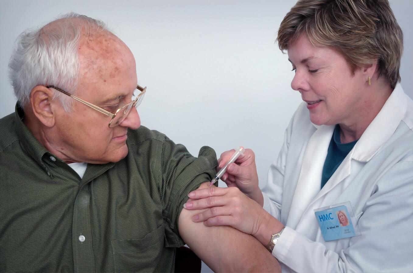 Unatoč poraznim brojkama u cijepljenju 65+ populacije, uskoro kreće treća faza