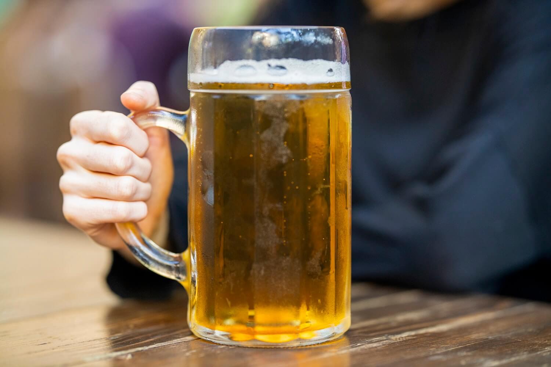 Umirovljenica popila na litre piva pa psovala supruga, završila u zatvoru!