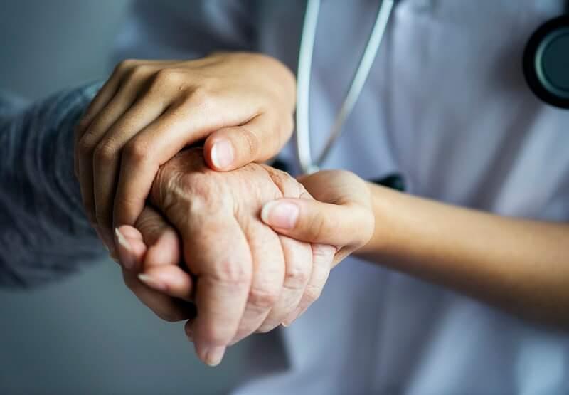Virus ušao u čak tri doma za starije, u Gospiću zaraženo 65 korisnika i djelatnika