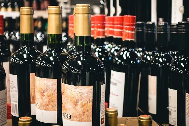 [KOMENTAR] Zabrana kupovanja alkohola iza ponoći sigurno će spasiti naše starce