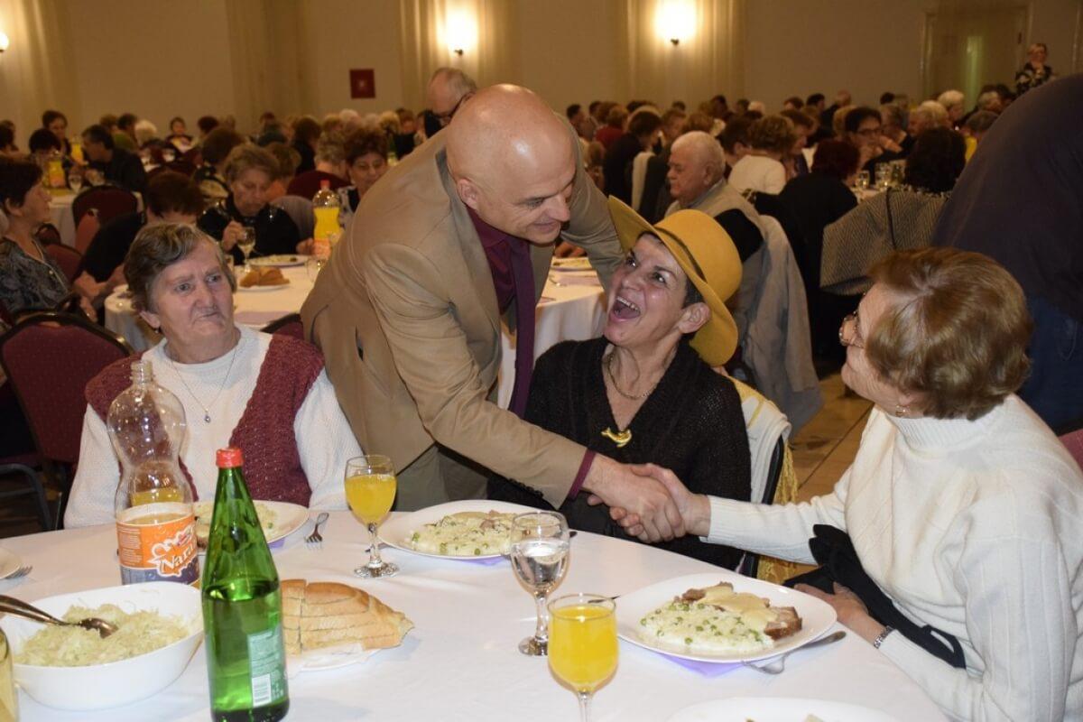 Umirovljenici ove godine ostali bez tradicionalnog druženja za samce