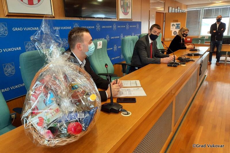 Božićnice u simboličnim iznosima stižu i vukovarskim umirovljenicima