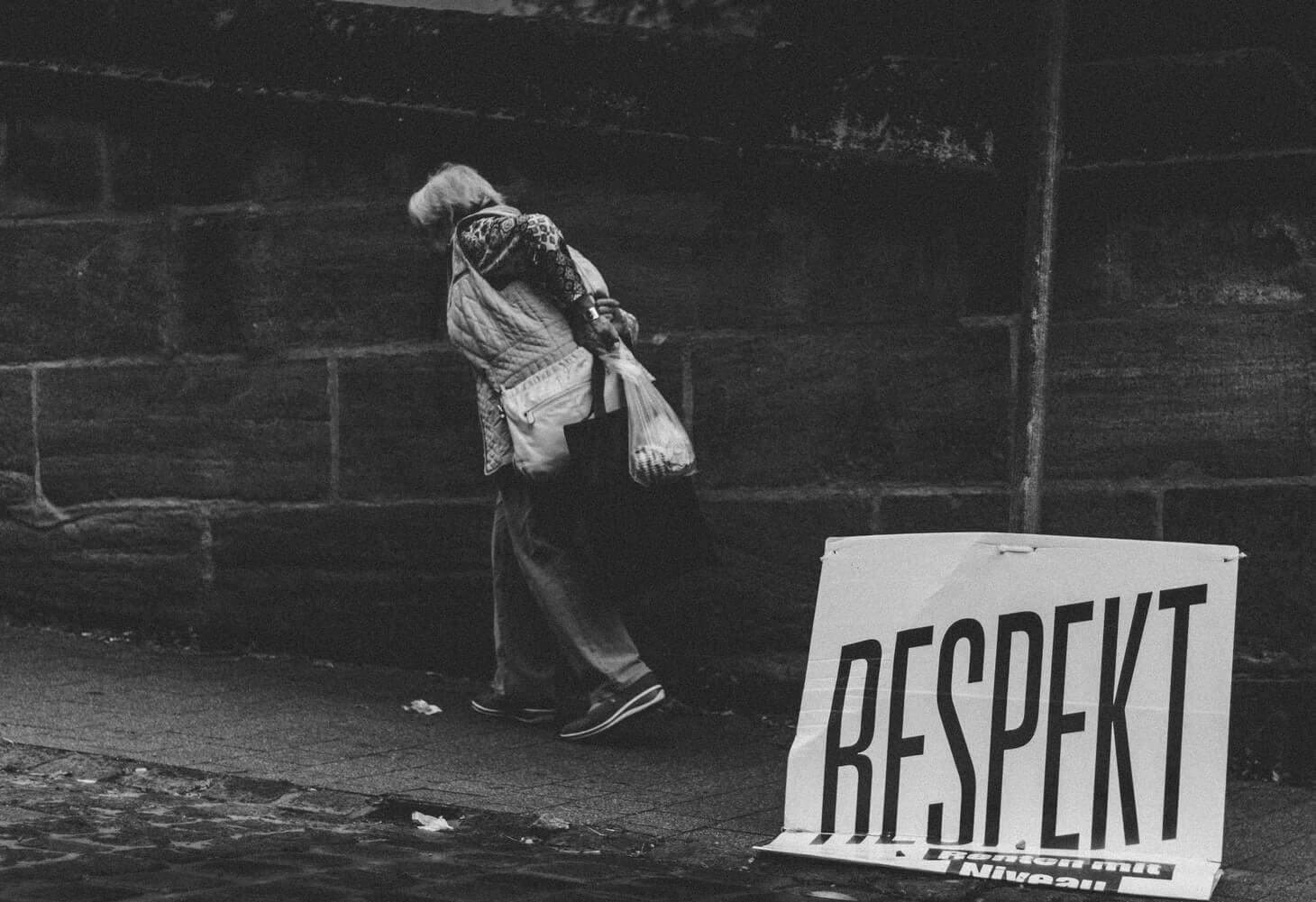 Danas je Međunarodni dan starijih osoba: Čestitke padaju sa svih strana, a umirovljenici sve siromašniji