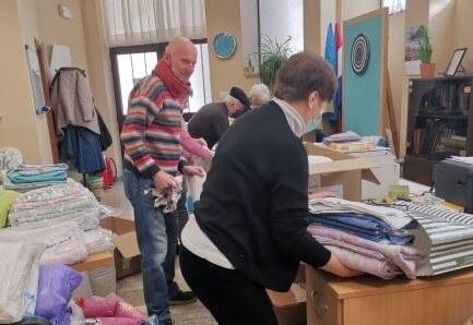 Umirovljenici nesebično pomažu stradalima u potresu, u dva dana skupili vrijednu pomoć
