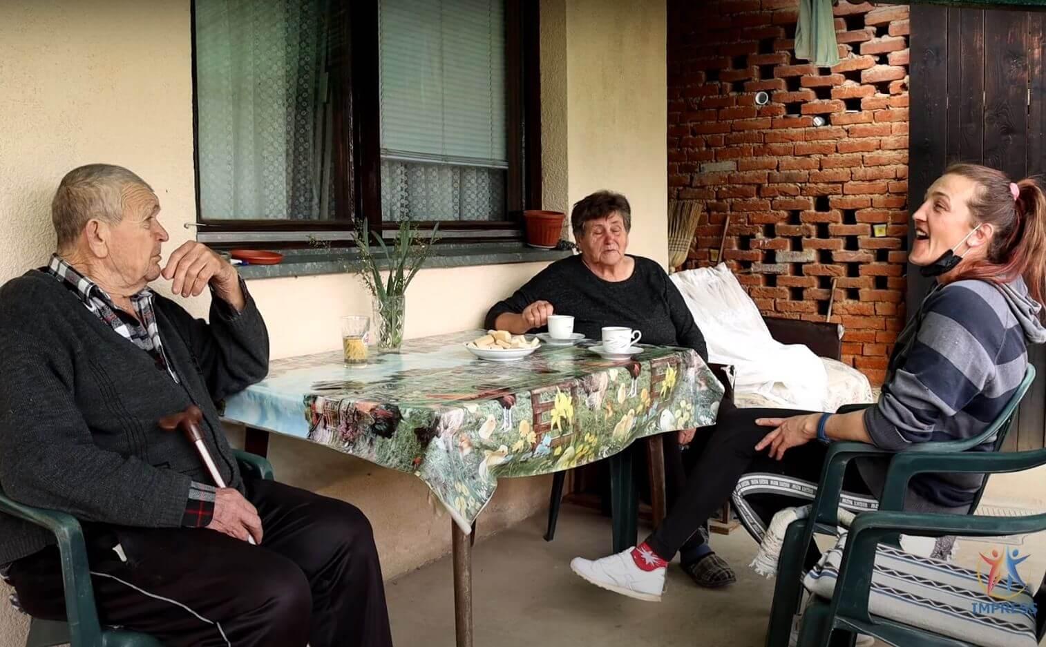 """[VIDEO] Gerontodomaćica Angelina sudjeluje u projektu """"Stariji nas trebaju"""": Evo kako izgleda jedan dan na terenu"""