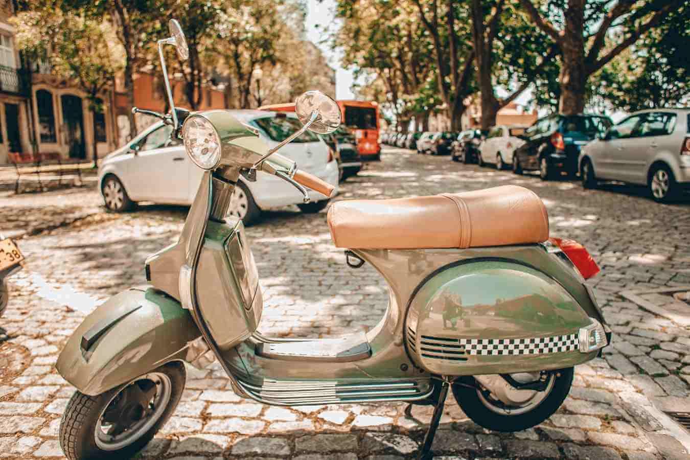 Talijanska Vespa, simbol mladosti, proslavila 75. rođendan