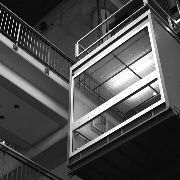 Poznat uzrok pada lifta u kojem su na Braču ozlijeđeni umirovljenik, dijete i invalid