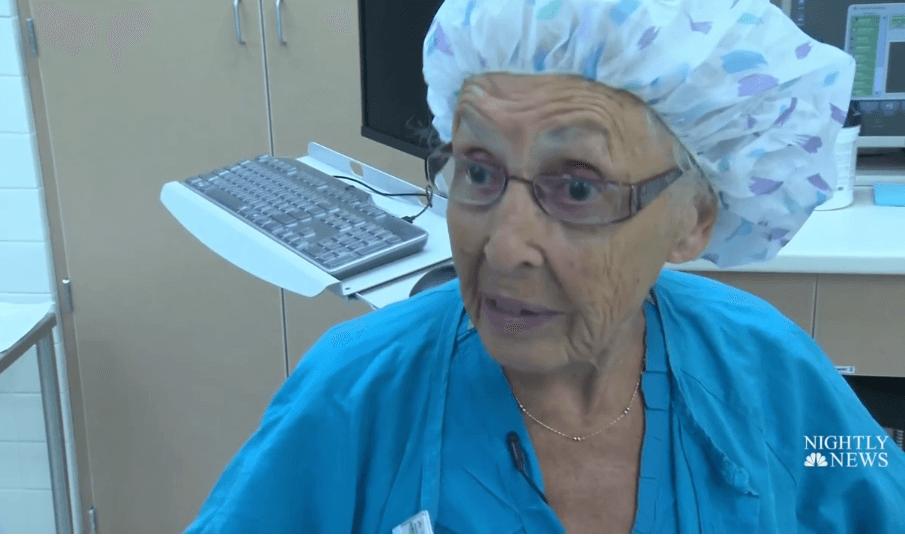"""Medicinska sestra u mirovinu odlazi s 96 godina: """"Čast mi je što su mi dali da radim ovoliko"""""""