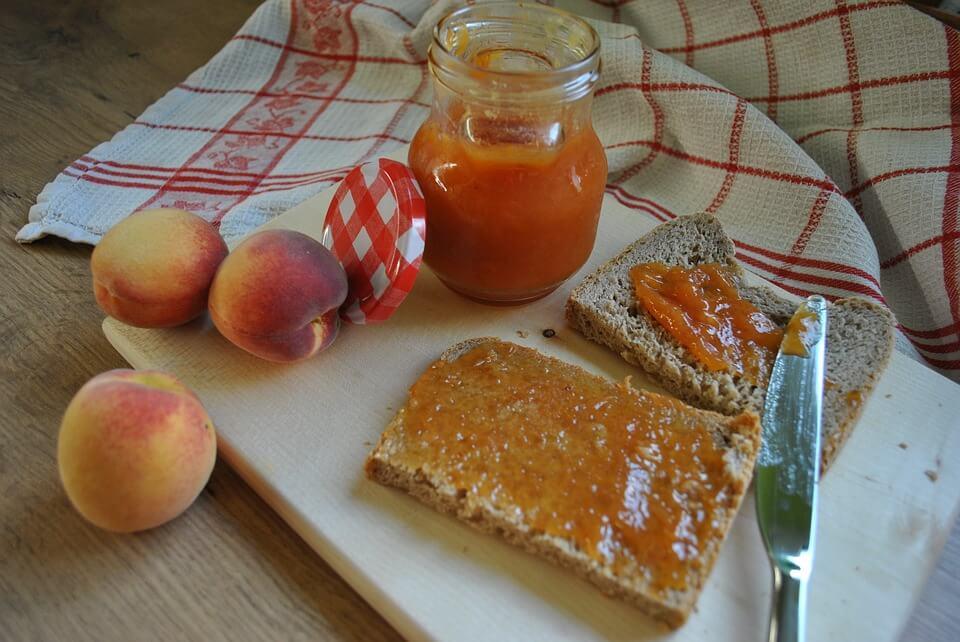 [BAKINA KUHINJA] Džem od bresaka – jednostavni recept od samo tri sastojka